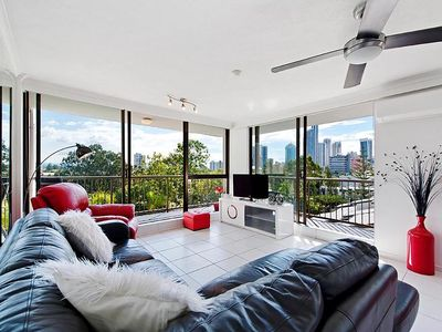Photo for Holiday Resort Apts in Surfers Paradise