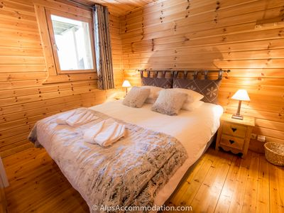 Photo for Cosy 3 bedroom chalet with log fire, swimming pool, sauna, gym, WiFi