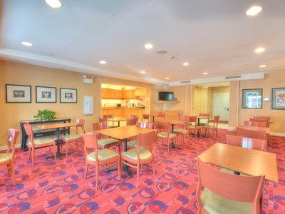 Photo for 1BR Hotel Suites Vacation Rental in Yonkers, New York