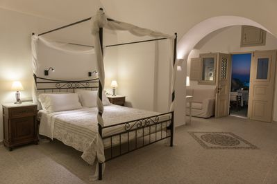 King Size Bed, ground floor , Night Views