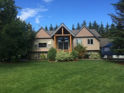 Quiet relaxing home on acreage just minutes from Sylvan Lake