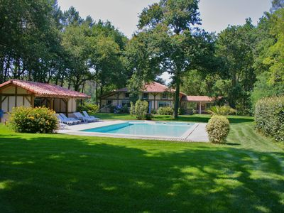 Photo for At the edges of the beautiful ocean villa of 7 bedrooms and heated swimming pool secured