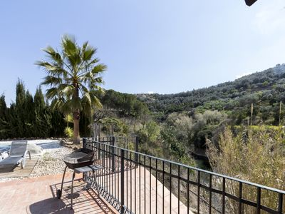 Photo for Magnificent house with pool, garden and views