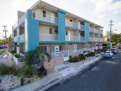 Photo for NEW LISTING! Walk to Restaurants, beach, pubs, bars...from new 2 bdr apartment.
