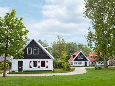 Photo for 6-person bungalow in the holiday park Landal Resort Haamstede - on the coast/the beach