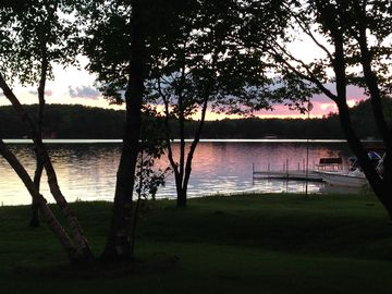 Charming Cottage, Sleeps 6+, Family Friendly, 550 Acre Lake, 2.5 Hrs N of cities