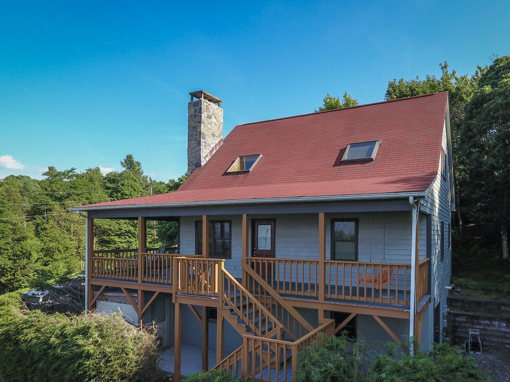 Heilen house healing touch of mountains boone nc for Boone ski cabin rentals