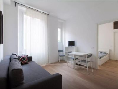 Photo for Wonderful Porta Romana apartment in Porta Vittoria with WiFi, air conditioning & lift.