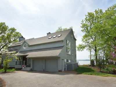 Photo for BREEZE POINT. Modern Waterfront. Spectacular water & sunset views from all rooms!