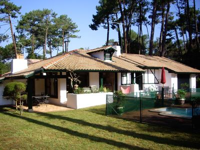 Photo for Very nice villa landaise on the edge of the golf with swimming pool
