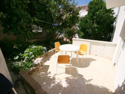 Photo for One bedroom apartment with terrace Podgora, Makarska (A-6682-a)