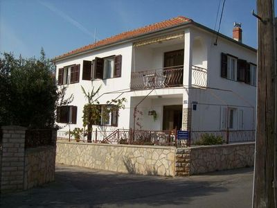 Photo for Holiday apartment Jezera for 4 persons with 2 bedrooms - Holiday apartment in a double bungalow