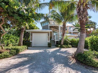 Luxury Four Bedroom Home with Easy Access to Beach.  Pool and private Patio.