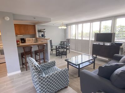 Photo for Diamond Head Location, Spacious, Super Clean, King One Bedroom Suite Sleeps Four