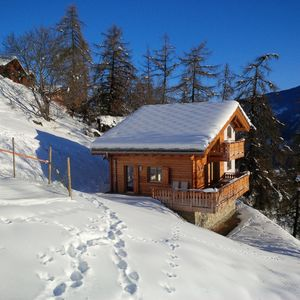 Photo for Mountain Lodge LOULOU: luxury chalet at 250 m from ski lift with sauna.