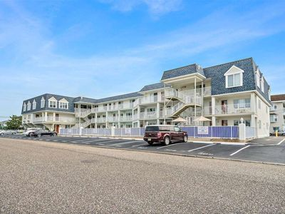 Photo for Here is a very rare Beachblock,  3 bedroom, 2 bath centrally air conditioned unit at the popular Merrimac Resort Condominiums.