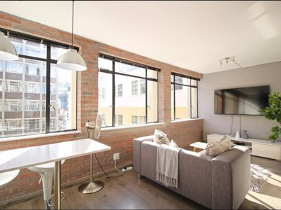 Photo for Magnificent Modern 1 Bed in the Heart of the City