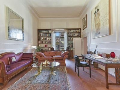 Photo for Spacious Donna Mara  apartment in Duomo with WiFi, integrated air conditioning & lift.