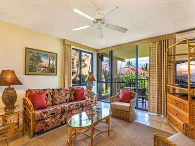 Photo for Roomy Suite w/Modern Open Kitchen, Washer/Dryer, WiFi, Lanai–Kamaole Sands 3301