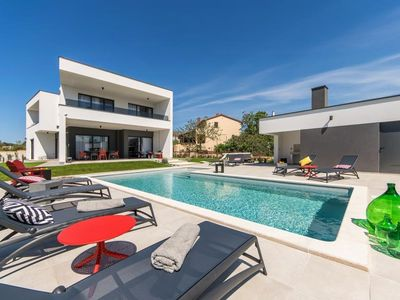 Photo for Comfortable villa with private pool, jacuzzi, sauna, gym, billiard, table football, table tennis, BBQ and only 1 km from the beach