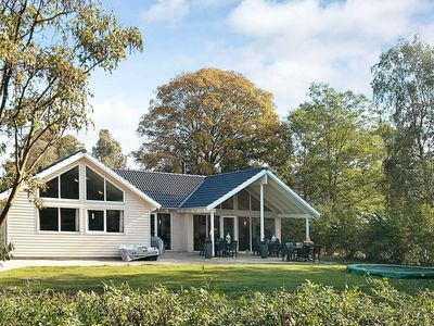 Photo for Pet-friendly Holiday Home in Dronningmølle near Sea