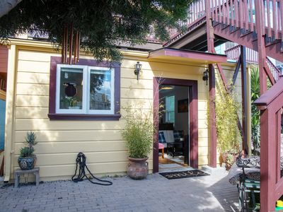 Photo for ★ Comfy 2-Bedroom in Fruitvale, Across from BART ★