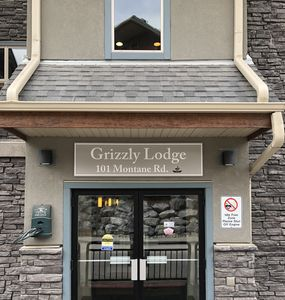 Front Entrance to Grizzly Lodge