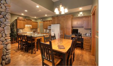 Photo for 3BR Luxury Townhouse Ski in and Out
