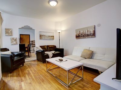 Photo for AMAZING 5 Bedr in Plateau! Close to DWTN! PARKING!