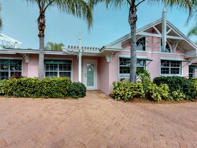Photo for NEW LISTING! Homey condo w/ nautical decor, shared pool & nearby beach access!