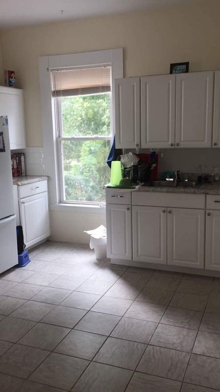 Property Image#4 Sunny Apartment Near Downtown New Haven And Yale