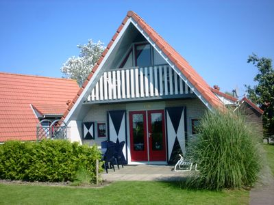Photo for Holiday home in Friesland in the paradise for water sports and nature lovers