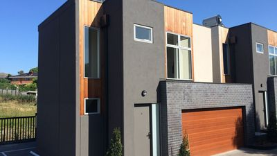 Photo for 2BR Townhome Vacation Rental in Niddrie, VIC