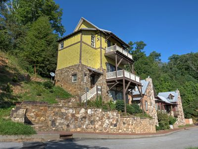 Photo for Breathtaking views, hot tub, and charm await! Includes Biltmore Pass! Pet-Friendly!