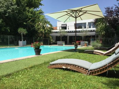 Photo for Family house Bordeaux with large garden and pool 10 to 12 persons