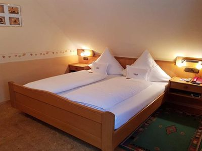 Photo for Single room standard courtyard side with shower / WC - Weinhotel Klostermühle