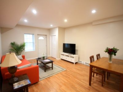 Photo for Charming 1 Bedroom Apartment with Private Entrance