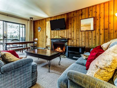 Photo for Mountainview condo with a balcony, shared sauna & hot tub, great ski access