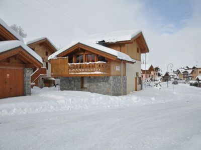 Photo for Chalet 12 p. - ski on foot - charm and comfort - SPA - Les Menuires (Bettaix)