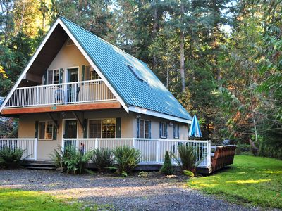 Photo for Chalet, Clean, 3BR / 2BA in Snowline, Best Rates, close to skiing, WiFi & Hot
