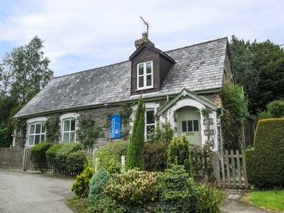 Photo for OLD SCHOOL HOUSE, pet friendly, with a garden in Bleddfa, Ref 933477