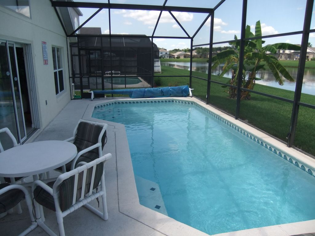 Free fishing. Villa with lake view, private pool and hot tub. Near Disney (4