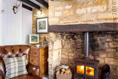 Marvelous Primrose Cottage Is A Charming Cotswold Cottage Alongside A Brook Close To The Heart Of Blockley Blockley Evergreenethics Interior Chair Design Evergreenethicsorg