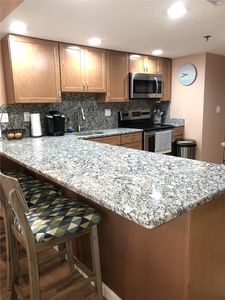Photo for FREE DAILY ACTIVITIES! LINENS INCLUDED*! Direct Oceanfront 2 bedroom, 2 bath condo with semi-private den in The Plaza