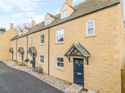 Photo for POETS CORNER, family friendly in Bourton-On-The-Water, Ref 1005083