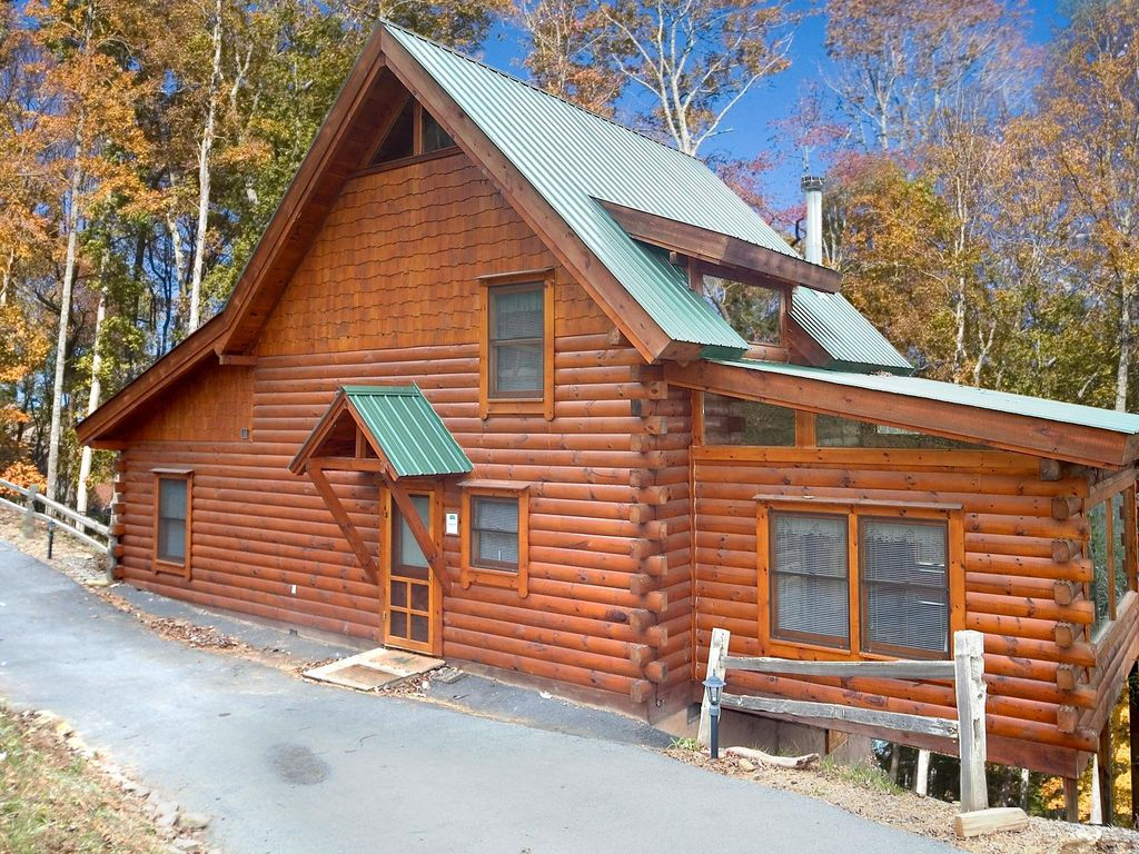 Secluded log cabin perfect to let your cares melt away for Perfect cabin