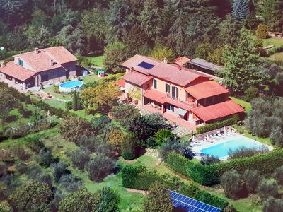 Photo for Beautiful, spacious villa with a large pool - close to Lucca, sea and Florence