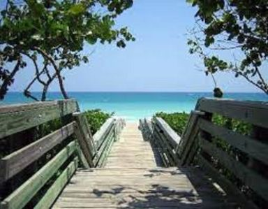 Photo for Seaside condo in Jupiter. 3 min walk to the beach