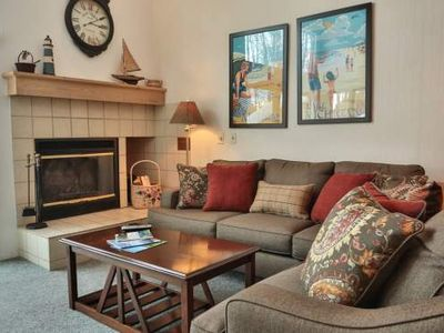 2 Bedroom Loft, 2 Bath Trout Creek Condo #118. Lots of On-Site Amenities. Close to Golf, Skiing