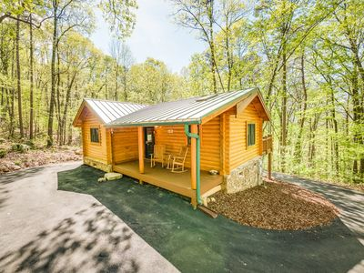 Photo for Ravenwood Cabin, Log Cabin In The Woods of Lookout Mountain, 50% Down To Reserve